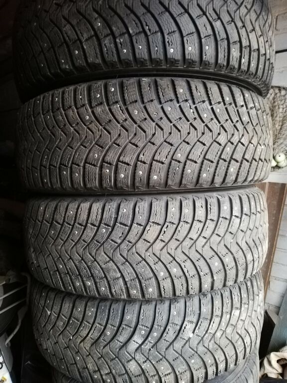 Naastrehvid Michelin x-ice 235/65 r17