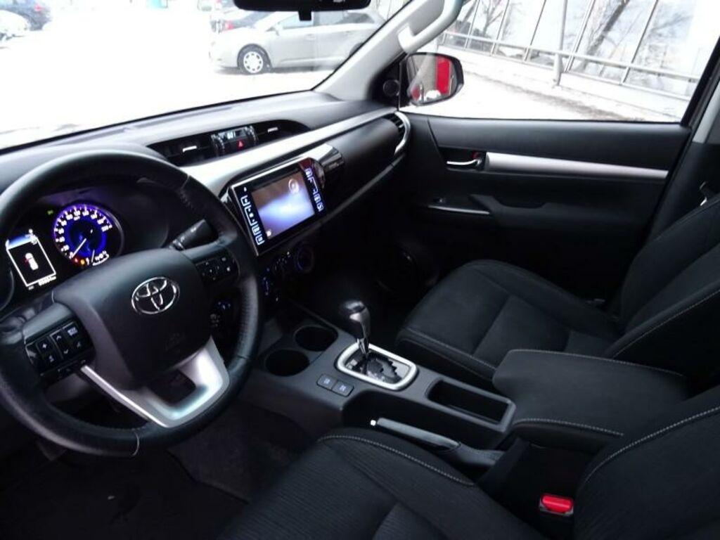Toyota Hilux Active