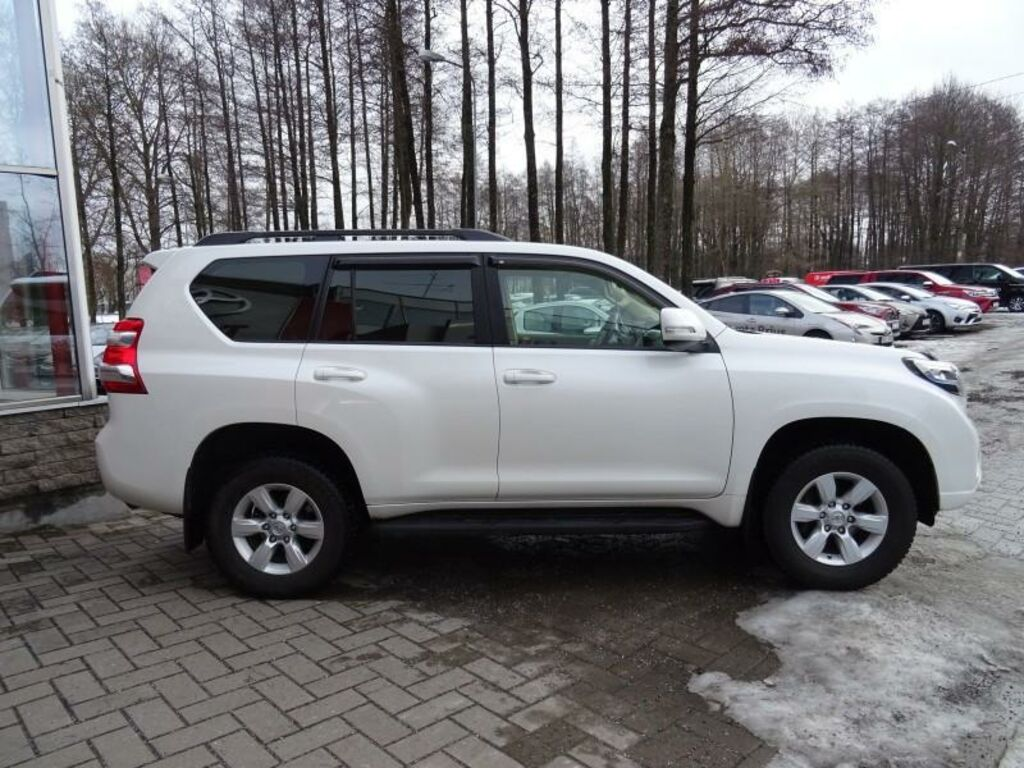 Toyota Land Cruiser 150 Luxury