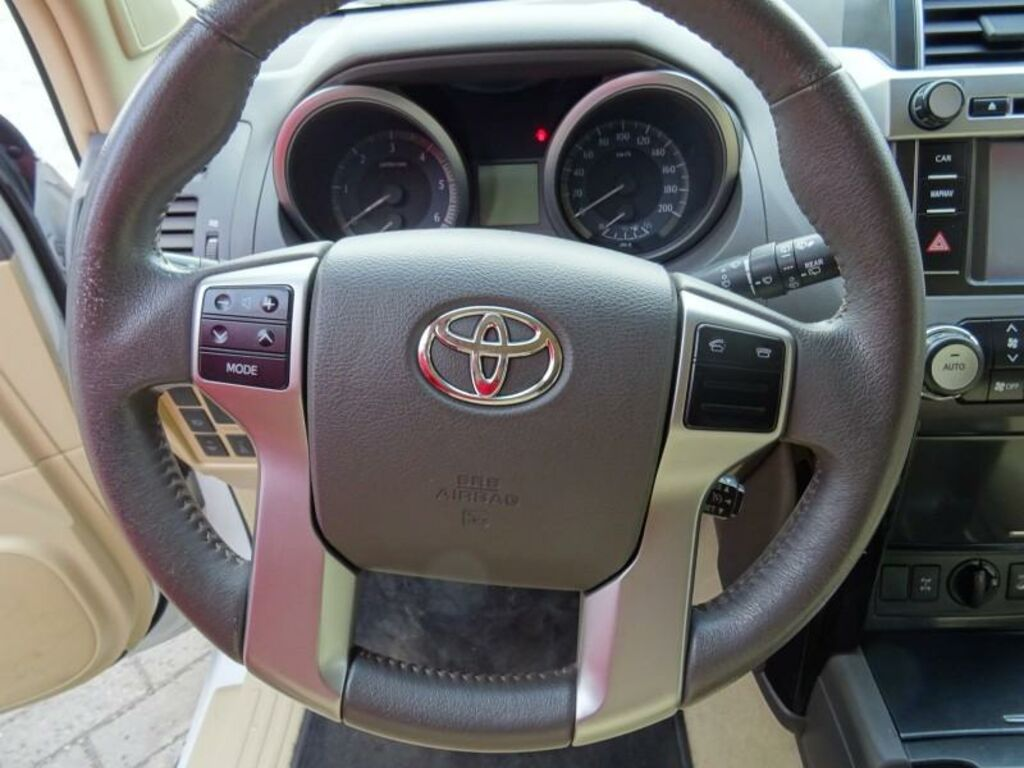 Toyota Land Cruiser 150 Luxury