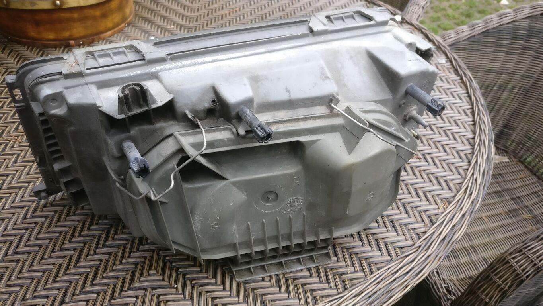 Mercedes Benz w124 Hella Esituli parempoolne