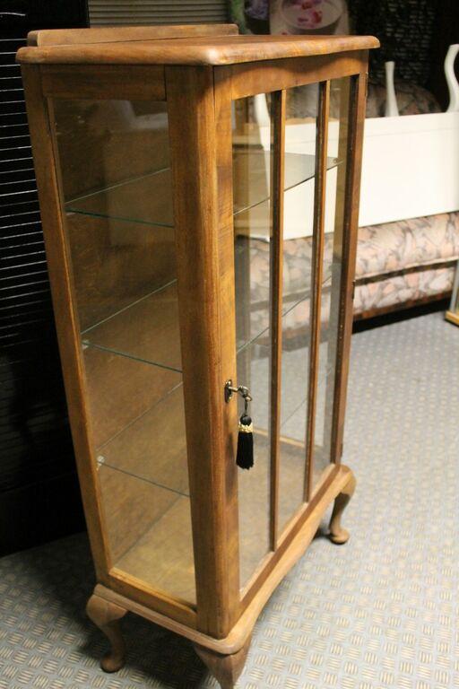 Antiik vitriinkapp lukustatav