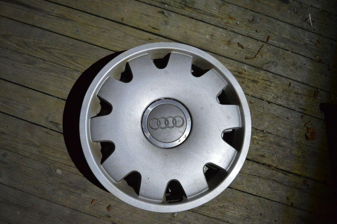 Audi 16 tolli originaal ilukilbid 4tk.