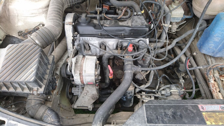 VW Passat b3  1,8 66kw projekt. (ÜV 08.2020)