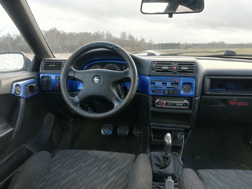 Opel Calibra 2.0 110kW 1992
