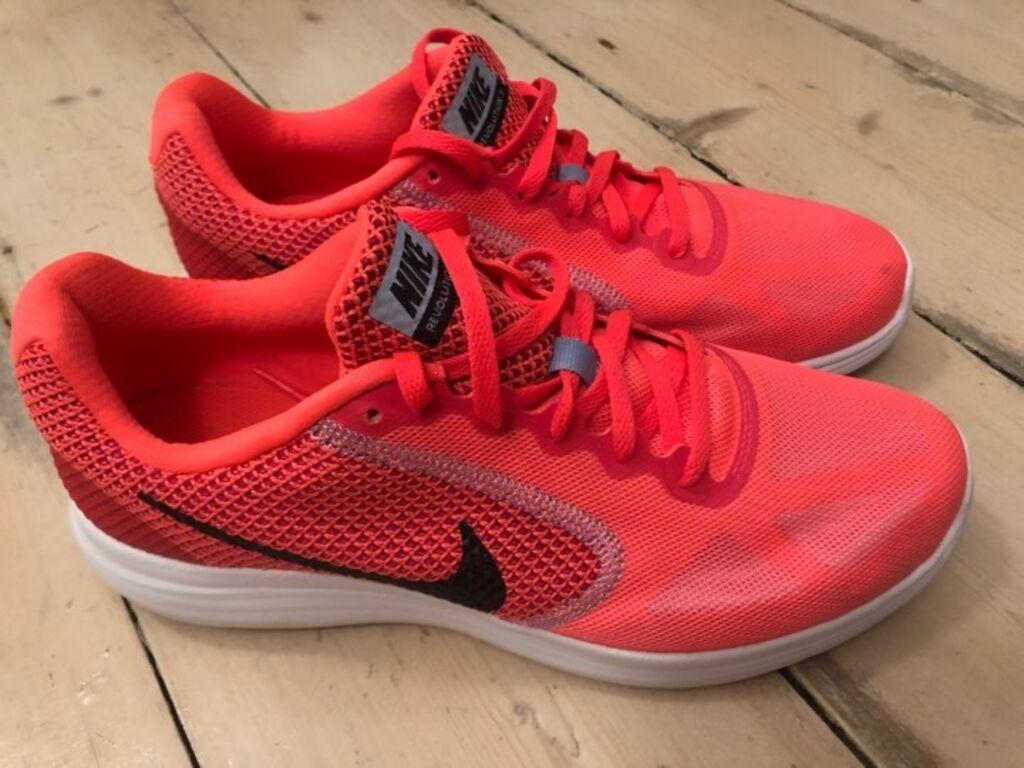 Nike naiste tossud, suurus 41