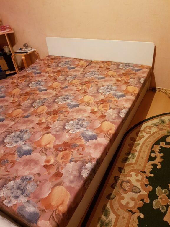 Diivanilaud puidust ja 2inimese voodi