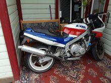Honda cbr  600 f1