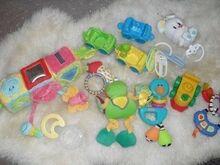 Komplekt mänguasju pisikesele