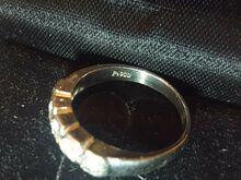 Plaatina sõrmus viie teemantiga