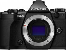 Olympus OM-D E-M5 Mark II kere, must, UUS