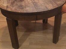 Ümmargune vana laud