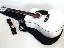 Akustiline kitarr, valge, kotiga, uus