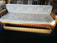 Sohva lahtikäiv pesukastiga