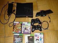 Xbox 360 slim 250Gb + kinect + 2 pulti + 5 mängu