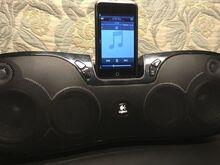 Logitech S715i iPod/iPhone Speaker Dock