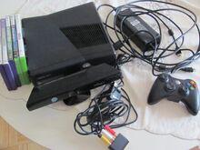 Xbox 360 slim 250Gb + pult + kinect ja 5 mängu