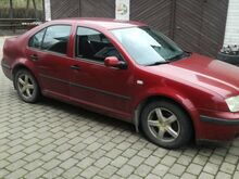 VW Bora 1999 74 kW