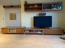 TV alus, kirjutuslaud, riiul