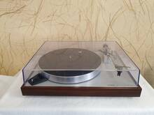 Luxman PD 284 2-Speed Direct-Drive Turntable