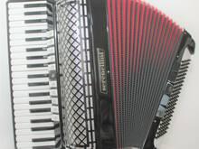 Itaalia akordion SERENELLINI