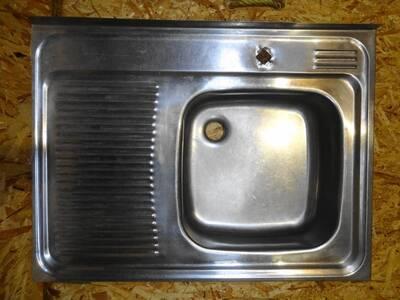 Roostevaba valamu / kraanikauss