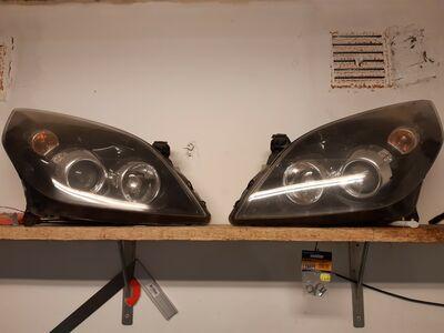 Opel vectra esituled (vauxhall)