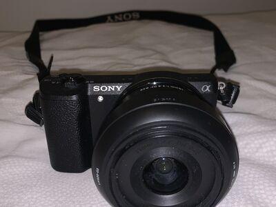 Hübriidkaamera Sony a5100+sigma 19mm lens+kott