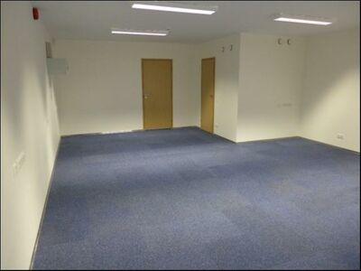 Suur 3-toaline korter! Saab kasutada ka büroona!
