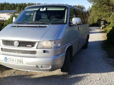 VW TRANSPORTER 2,5TDI/75KW/10 KOHTA /2001/M2