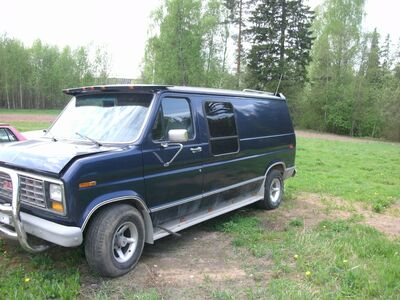 FORD ECONOLINE CLUB WAGON 5.0 bens
