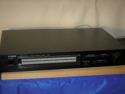 Yamaha Natural Sound AM/FM Stereo Tuner T-300