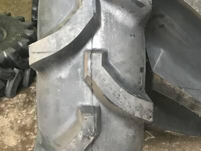Rehvid väiketraktorile 9,5x 22 koos lohviga