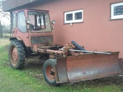 Traktor T 16M