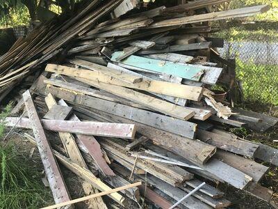 Lammutus puit,kaubaalused,rehvid,vanaraud,akud