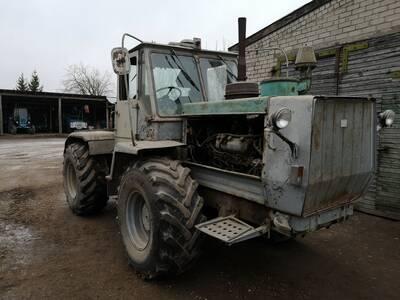 Traktor T-150K