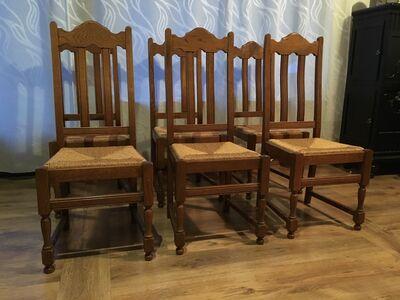 Antiiksed söögilaud ja toolid