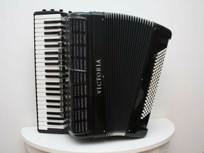 Kontsertakordion VICTORIA XB 440