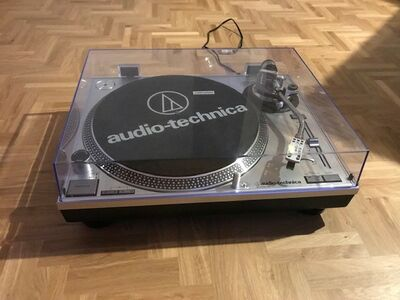 Vinüülimängija Audio-Technica AT-LP120XUSB-SV