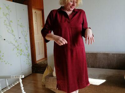 Punane kleit 42-44 sametise pinnaga.