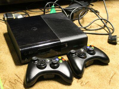 XBox 360 500GB koos mängudega