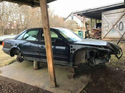 Audi 100 C4 sedaan kere varuosadeks