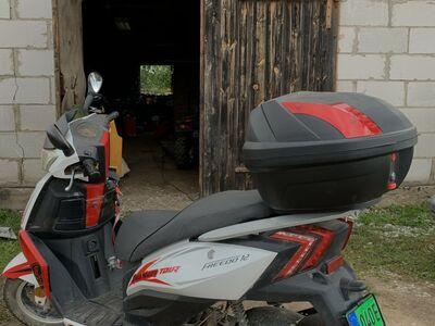 Freedo 12 50cc ja Intermoto 50cc