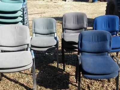 Erineva värvusega  toolid