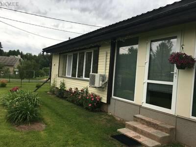 Maja Viljandi lähedal