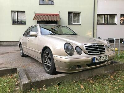 Mercedes - Benz E200 CDI