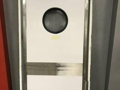 Pendeluks / Külmkambri uks 100×210 raamiga
