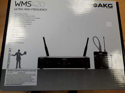 Juhtmevaba mikrofon AKG - WMS 420 Presenter Set