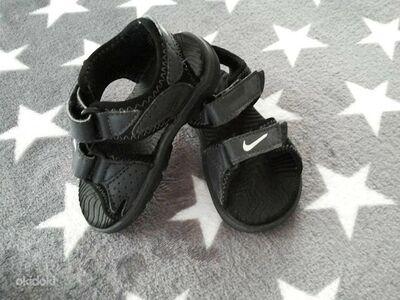 Korralikud Nike sandaalid suurus 21