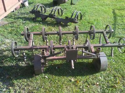 Traktori haagised ja haakeriistad.